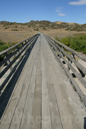 Otago central rail trail manuherikia bridge