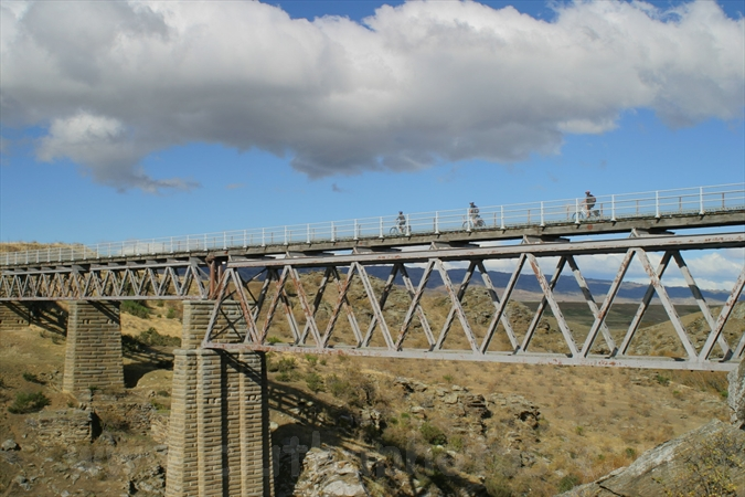 Otago central rail trail poolburn viaduct auripo